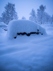 STILLS_CAR_SNOWED_IN